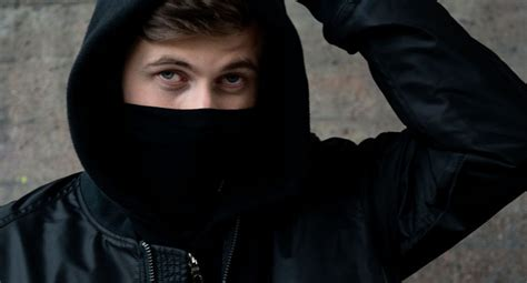 Alan Walker Locked To Play Dj Mag Miami Pool Party