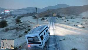 GTA V (5) Train Crashes into RV! - YouTube