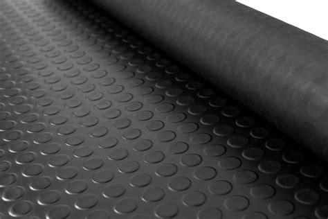 tappeti in plastica rotolo tappeto gomma a metraggio reds tappeti e zerbini