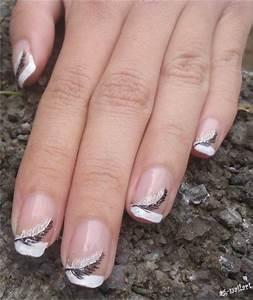 Déco French Manucure : nail art plumes sur french manucure manucure en 2019 nail art french manicure nails et ~ Farleysfitness.com Idées de Décoration