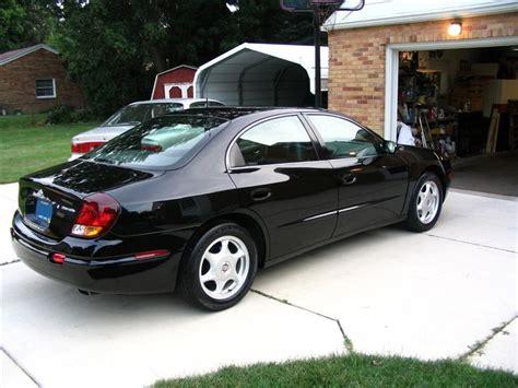 2001 Oldsmobile Aurora 4.0 | C. Charles Hahn