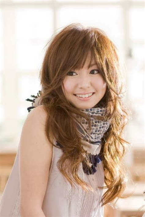 japanese fashion hairstyles girl with cute medium length