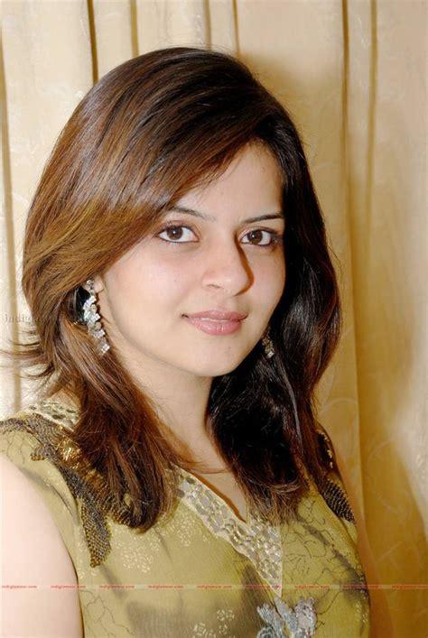 Actress Photo Biography Roma Malayalam Actress Photos