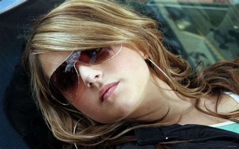 Cool Girl Glasses Hd Wallpapers