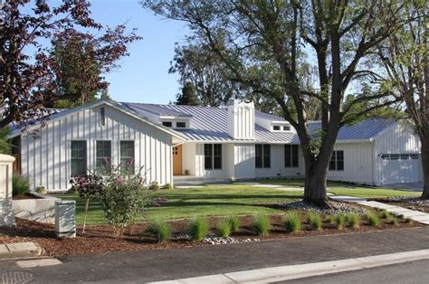 fresh ranch home exteriors 17 best ideas about board and batten siding on