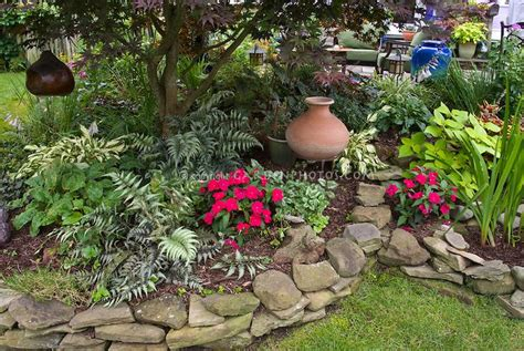 67 Best Images About Flower Beds On Pinterest