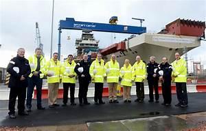 US carrier personnel explore HMS Queen Elizabeth   Royal Navy