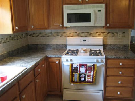 Backsplash Tile Ideas Small Kitchens by Tile Designs For Kitchen Backsplash Image Yahoo Search