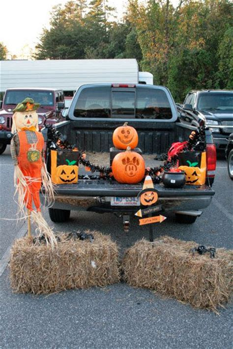 trunk or treat decorating kits 17 creative trunk or treat ideas i dig
