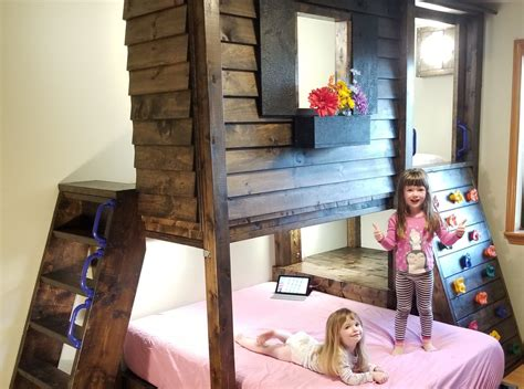 dad builds incredible tree fort inspired bunk bed cottage life