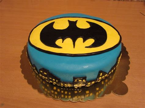 fondant cake decorating  beginners batman fondant