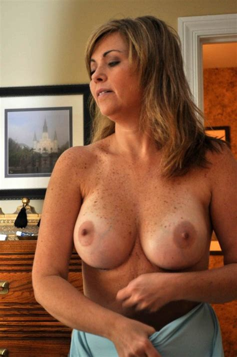 Naked Milf Pic Of American Woman