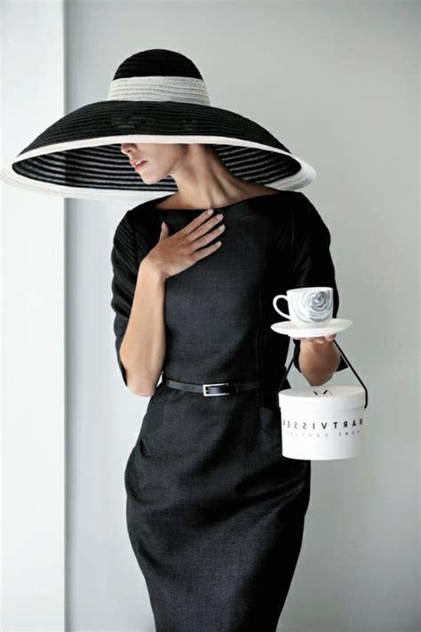 comment porter la capeline noire  idees de tenue
