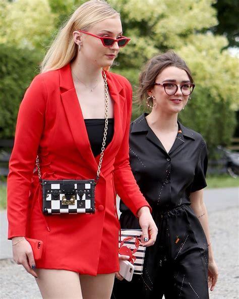 Pin by Sari Vitikainen on Celebrity I-P | Maisie williams ...