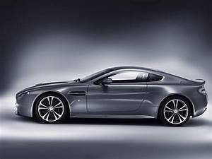 Aston Martin V12 Vantage S : aston martin v12 vantage autostrada ~ Medecine-chirurgie-esthetiques.com Avis de Voitures
