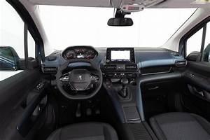 Peugeot Rifter Interieur : autotest peugeot rifter 2018 koning in ~ Dallasstarsshop.com Idées de Décoration