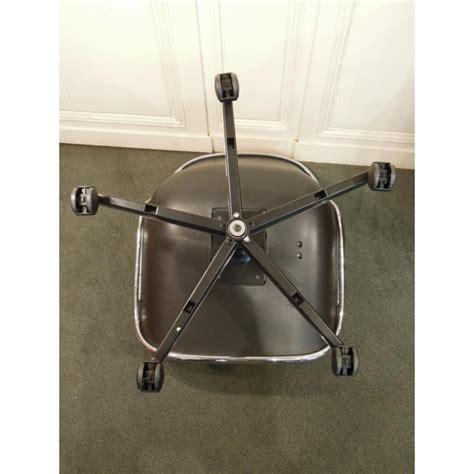 fauteuil de bureau knoll vendu fauteuil de charles pollock modèle 12e1 édité par