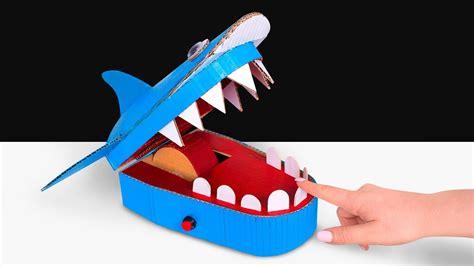 comment faire  jouet requin dentiste  partir de carton