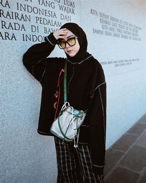 Koleksi oleh nike ayu • terakhir diperbarui 7 minggu lalu. Gambar mungkin berisi: 1 orang (Dengan gambar) | Model pakaian remaja, Gaya model pakaian