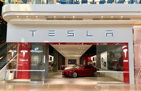 news tesla opens  melbourne store  chadstone