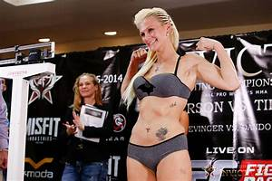 30 Worst Cameltoes In The Women Mma Fight UFC Camel Toes Pic