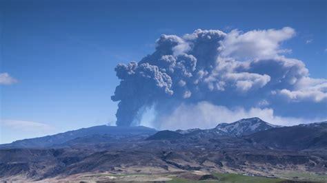 Vulkansausbruch kostenlose live map aller vulkanausbrüche weltweit vulkan live map 2019 vulkan tracker.diese entstehen im laufe der zeit durch viele vulkanausbrüche, bei denen lava. Isländische Behörden warnen vor Vulkanausbruch