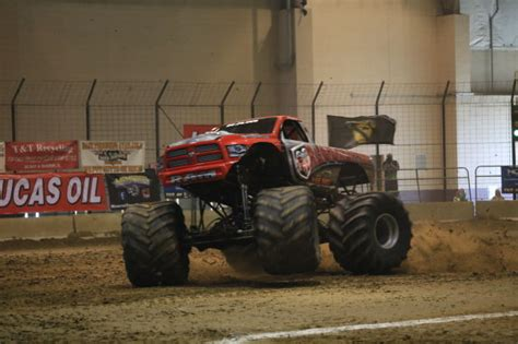 monster truck show tonight monster truck show roaring into du quoin entertainment