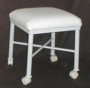vanity stool on casters