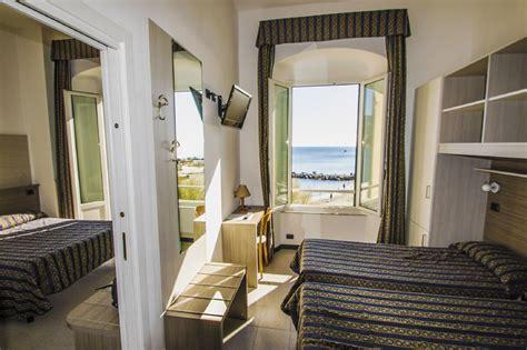 hotel chambre familiale barcelone chambre familiale baia hotel