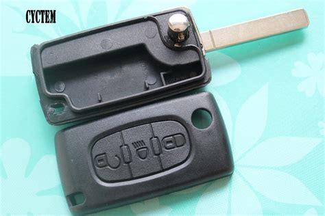 Cyctem Ce0523 Type Car Key Cover Housing 3 Buttons Flip