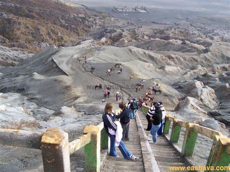 lihat koleksi foto foto wisata gunung bromo  temukan