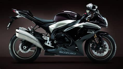 Suzuki Bikes Hd Wallpapers Free Download