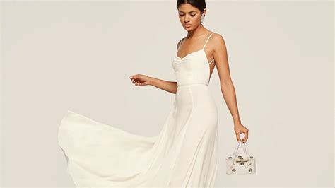 Simple Elegant Wedding Dresses That Aren't Boring