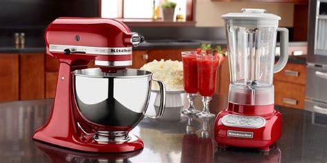 red appliances   brighten   kitchen