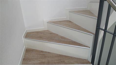 vinyl auf treppe verlegen laminat auf treppe alte stufen renovieren laminat auf