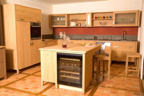 cuisine contemporaine bois massif cuisine contemporaine bois massif design ilot cuisine