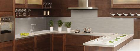 exemple de credence cuisine crédence déco revêtement mural décoratif pour plan de travail en cuisine