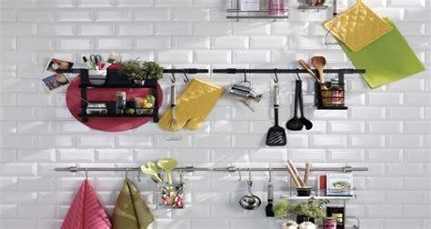 astuce deco cuisine 6 astuces rangement et gain de place dans une cuisine
