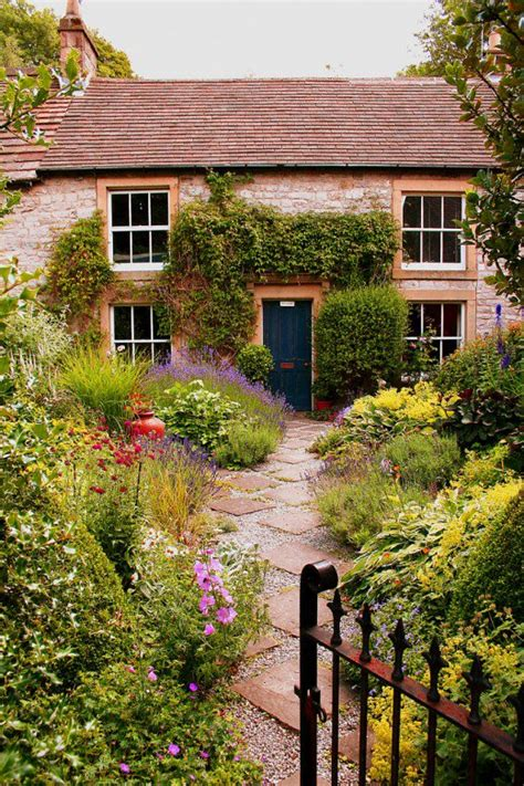An English Cottage Garden Isn't For Everybody Dengarden