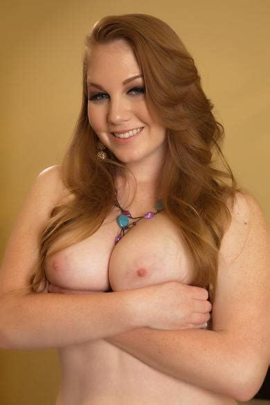 List Of American Porn Stars With Natural Breasts