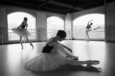 Lesia trubat's ballet shoes electronically trace the movements of dancers. Black and White Ballet Wallpaper - WallpaperSafari