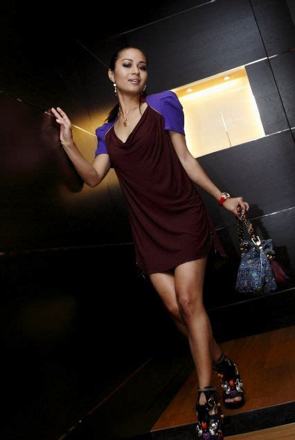 Sexy Models Exposed Malay Actress Maya Karin Hot Bikini