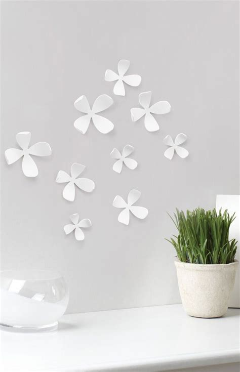 Poshmark makes shopping fun, affordable & easy! Umbra Wallflower Wall Decor (With images) | Simple wall decor, Wall decor, Floral wall decor
