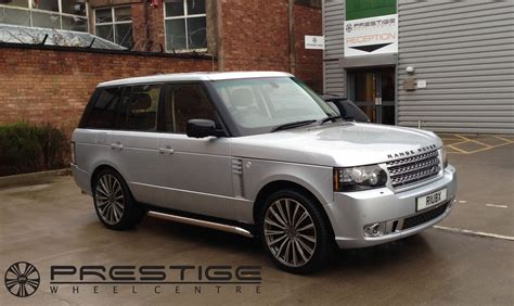 Range Rover Vogue Autobiography Visits For Hawke Chayton