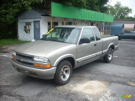 2001 Light Pewter Metallic Chevrolet S10 Ls Extended Cab