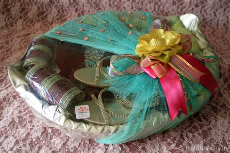 Trendy Ideas For Trousseau Packing & Wedding Favours
