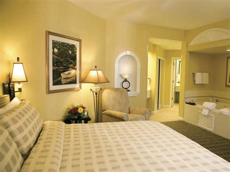 Pictures Of Light Yellow Bedrooms
