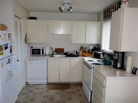apartment kitchen design ideas fascinating small white apartment kitchen design showing