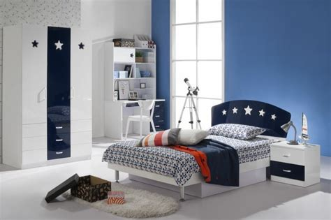 chambre ado bleu comment aménager une chambre d 39 ado garçon 55 astuces en