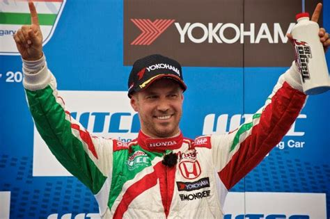 Born 24 july 1976) is a portuguese professional racing driver currently competing in the world touring car cup, driving a honda civic tcr for münnich motorsport. Tiago Monteiro no pódio da Hungria - LusoAmericano